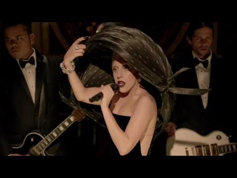 レディー・ガガ: ボーン・ディス・ウェイ (A Very Gaga Thanksgiving)