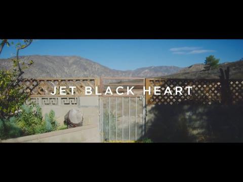 ファイヴ・セカンズ・オブ・サマー: ジェット・ブラック・ハート
