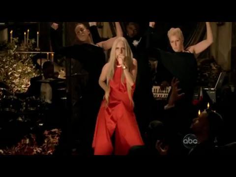 レディー・ガガ: バッド・ロマンス (A Very Gaga Thanksgiving)