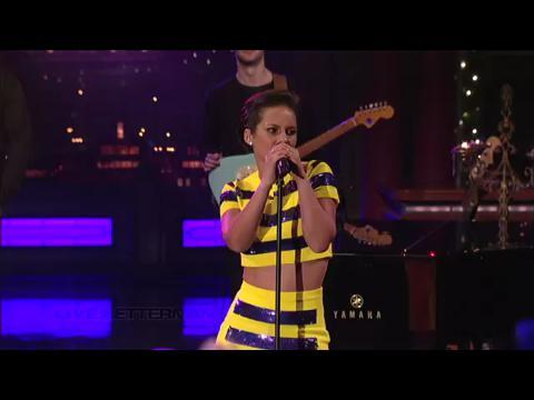 アリシア・キーズ: ガール・オン・ファイア (Live on Letterman)