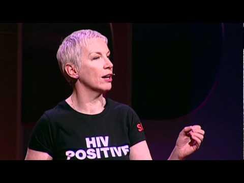 アニー・レノックス: なぜ私はHIVエイズ活動家になのか