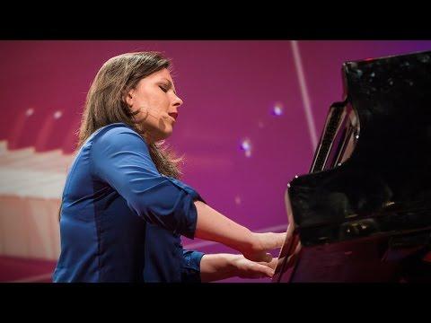 ダリア・ファン・ベルケン: なぜピアノを路上や空中に持ち出すのか