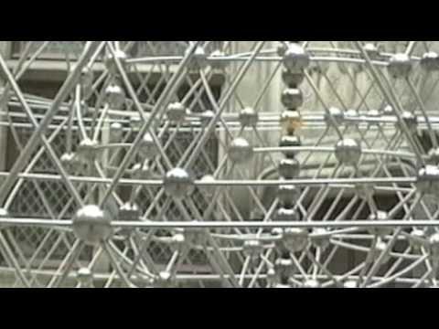 トム・シャノン: 重力抵抗彫刻