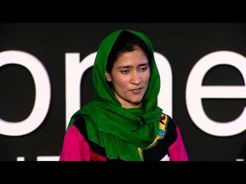 シャバナ・バシージ=ラサ: アフガンの少女に教育を