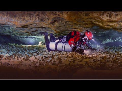 ジル・ハイネス: 水中洞窟の神秘の世界