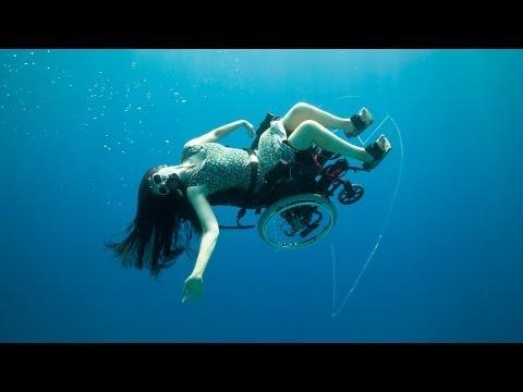 スー・オースティン: 車椅子で海中散歩