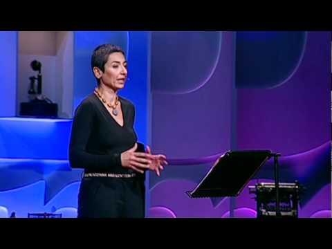ザイナブ・サルビ: 女性と戦時と平和への夢