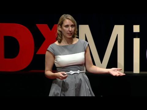 ジェニファー・ゴルベック: カーリー・フライの謎解き ― ソーシャルメディアでの「いいね!」があなたの秘密を明かす?