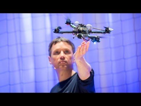 ラファエロ・ダンドリーア: クアッドコプターの驚くべき運動能力