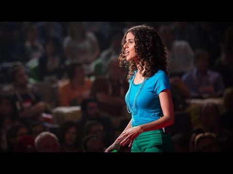 アレサンドラ・オロフィーノ: 自分達の街の問題は自分達で直しましょう