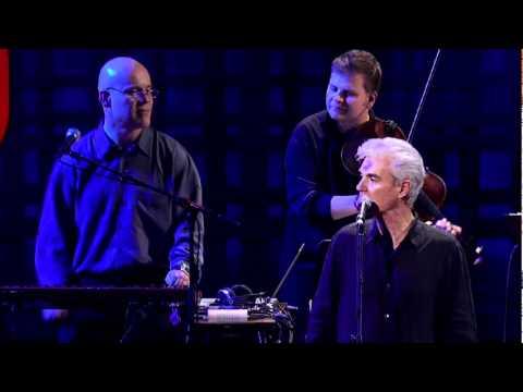 デビッド・バーン: ナッシング・バット・フラワーズを歌う